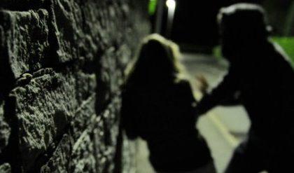 Via al processo al giovane che palpeggiò una giovane turista a Rosolina
