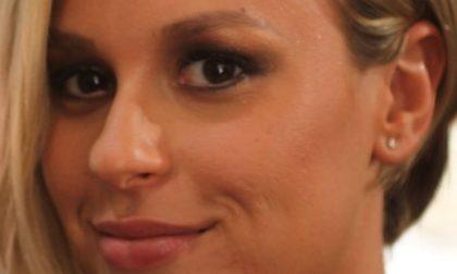 Sogni d'oro? No, sogni di medaglia: Federica Pellegrini nuota nel suo letto VIDEO