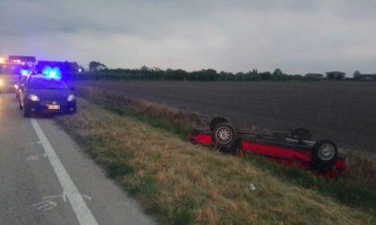 Tragedia a Lendinara, 46enne finisce nel fossato con l'auto e muore