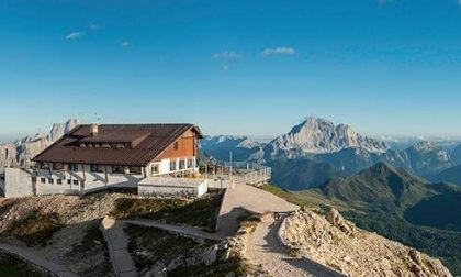 Cortina: riapre la prima funivia sulle Alpi e i rifugi tornano ad accogliere gli escursionisti