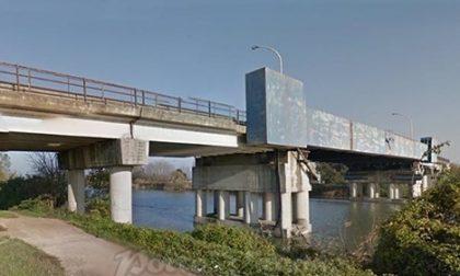 Il ponte di Cavanella Po cade a pezzi: oggi le verifiche