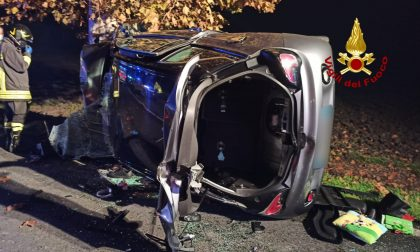 Tragedia a Villadose: auto piomba contro un albero, morto un 62enne