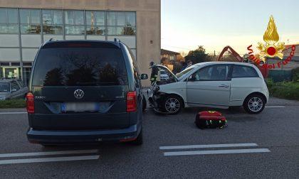 Scontro tra due auto a Rovigo: tre persone coinvolte, due feriti