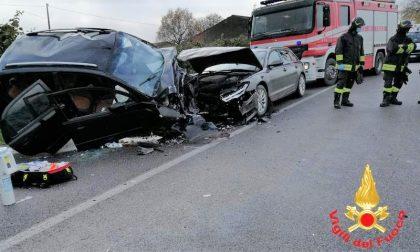 Tragedia a Giacciano con Baruchella: schianto tra due auto, morto un bambino di 5 anni