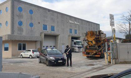 Operaio di Badia Polesine con una manovra accidentale colpisce il collega, corsa all'ospedale