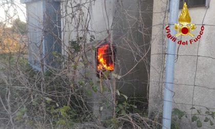 In fiamme una centralina, bloccata la linea ferroviaria Rovigo Chioggia