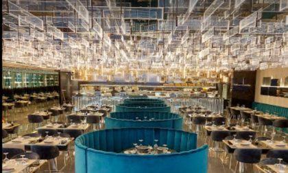 Clamoroso: in 300 all'interno di un ristorante sushi (e non sono i soli)