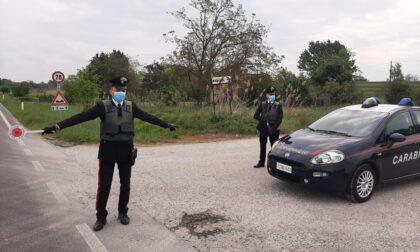 Scoperto mentre guida l'auto posta sotto sequestro, nei guai un 21enne