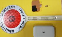 Furbetto all'esame della patente: scoperto con router e auricolare