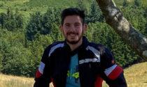 Perde il controllo della moto e si schianta contro un albero: Mattia è morto a soli 26 anni