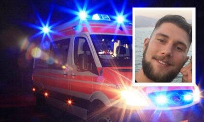 Una civetta gli sbatte contro il casco: Nico cade dalla moto e muore a 24 anni