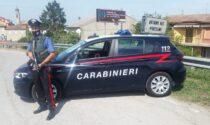 """""""Dammi 2mila euro o ti uccido"""", poi ruba uno scooter e tenta di fuggire dai Carabinieri"""