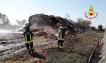 Incendio a Fenil del Turco: in fiamme un deposito di balle di paglia